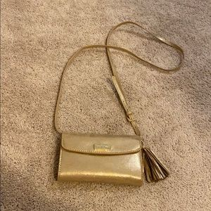 Lilly Pulitzer strappy wallet - gold - EUC